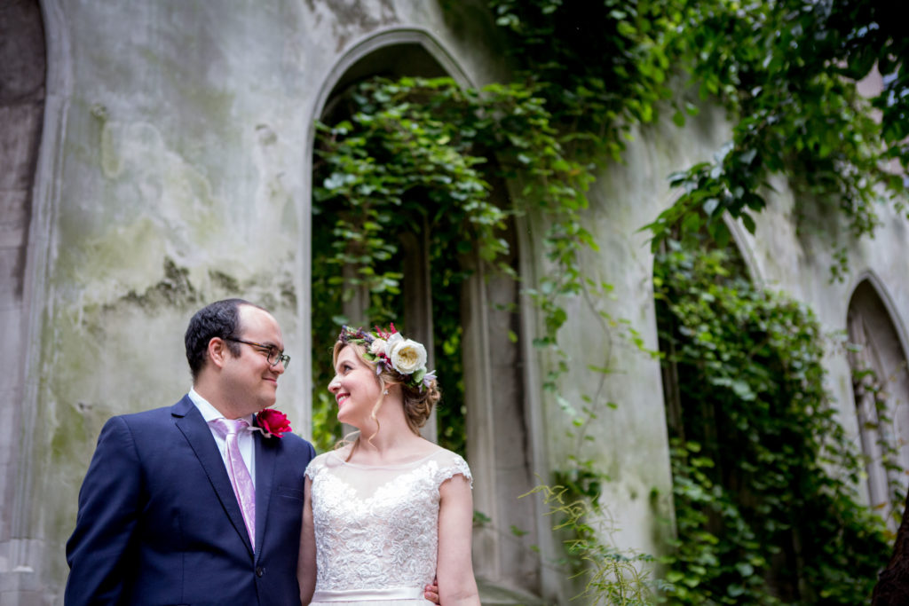 Celebrant London - Hannah and Henry Wedding at St Dunstans in the East
